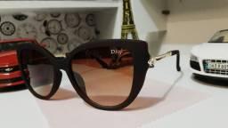Belos óculos de sol feminino com proteção UV400