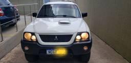 Mitsubishi L200 Gl 2010 4X4 Diesel ZERADA