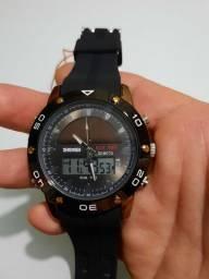 Relógio esportivo aprova d'água