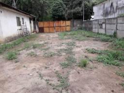 Alugo terreno com 4 cômodos no centro de Cataguases