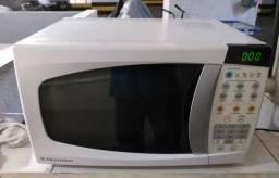 Microondas Electrolux mef28
