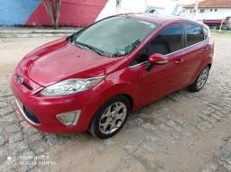 New Fiesta 2012 , carro muito novo e de procedência .