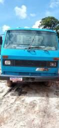 Caminhão com carroceria aberta