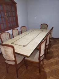 Mesa e Aparador em Mármore com 10 Cadeiras