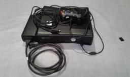 Xbox 360 Bloqueado Slim 4Gb e Um Controle
