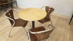 Vendo conjuntos de mesas e cadeiras
