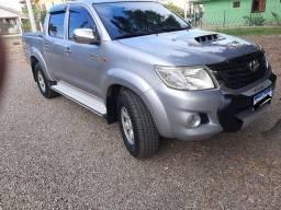 R$ 110.000 Vendo Toyota hillux MANUAL 4X4 2015/2015