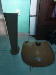 Pia grande de banheiro