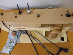 Vende se máquina de costura elétrica vigorelli