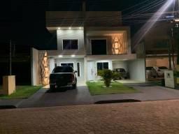 Casa estilo sobrado em Condominio a venda