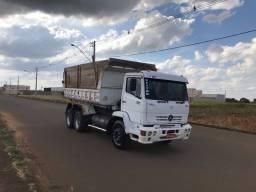 Caminhão caçamba 1718