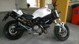 Ducati monster 700cc - 2010