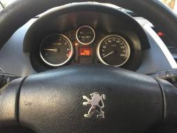 Vendo Peugeot 207 - 2011/2011 - 2011