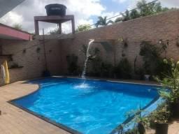 Casa ampla com piscina na marambaia