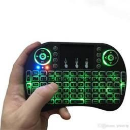 Mini teclado luminoso ideal para smartv, tv box smmrphones tablets