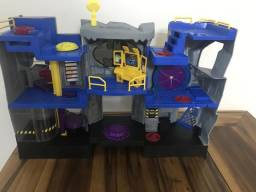 Caverna do batman imaginext