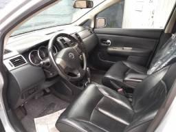 Tiida SL automático - 2011