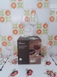 Jogo de Taças de Vinho Tinto