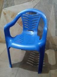 Cadeira de plastico infantil