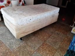 vendo um colchão e uma cama para solteiro 120 reais