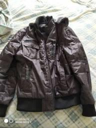Jaqueta com capuz