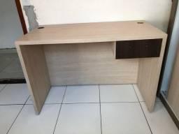 Vendo mesa de escritório feito em marcenaria de mdf