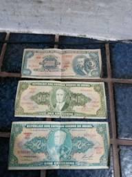 Cédulas antigas e moedas