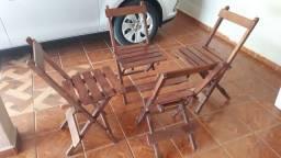 Vende -se cadeiras de madeira