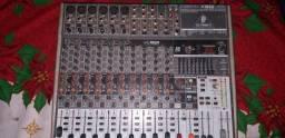 Mesa de som BEHRINGER XENYX X1832