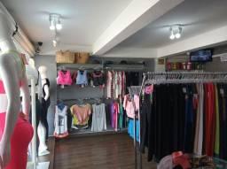 Loja de roupas femina , completa , pra retirar do local