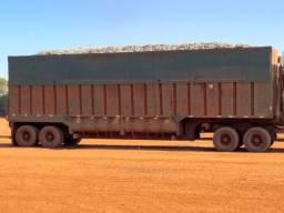 Caminhão disponível para trabalhar *