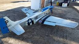 Kit Aeromodelo Mustang Hangar 9 para motor 20cc .60?1.20 2-stroke; .91?1.25 4-stroke;