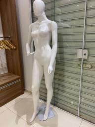 Vendo Manequim loja feminino