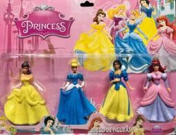 Bonecas Coleção Princesas Cartela Com 4 Personagens Bela Cinderela Branca de Neve e Ariel