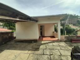 Casa e terreno em São José