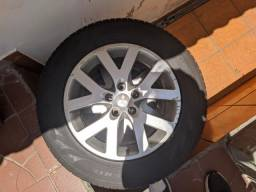 Rodas Pajero Tr4 com 4 pneus novos
