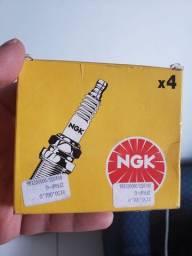 Jogo de velas de ignição  NGK  ZFR6P-G