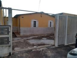 Casa 3 Qts (Original) + 3 kit's nos Fundos - Lote 350m²