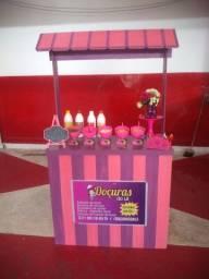 Estação de açaí + sorvete + salada de frutas + DJ animando a sua festa