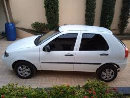 FIAT PALIO CELEBRATION FIRE FLEX 1.0 4 PORTAS 2016.