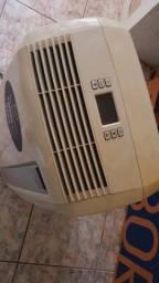 Ar Condicionado portátil 12000 BTU/h