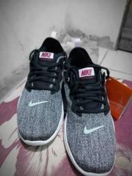 Tênis Nike flex tr9