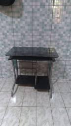 Mesa para computador - preço negociável
