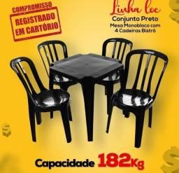 Mesa Monobloco com 4 cadeiras Bistrô