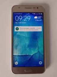 Samsung Galaxy J5 16 GB Dourado 2 GB Ram - Conservado