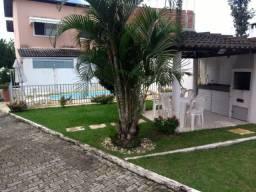 Casa com 3/4 em condomínio no centro de Lauro de Freitas