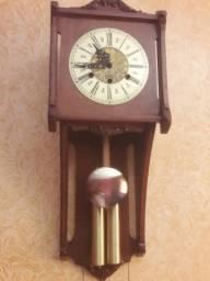 Vendo relógio (carrilhão )