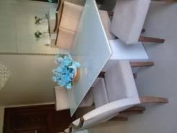 Mesa laqueada com tampa vidro leitoso (vidro rachado)