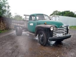 Caminhão Antigo