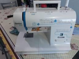 Maquina de costura elgin genius plus c/  brinde